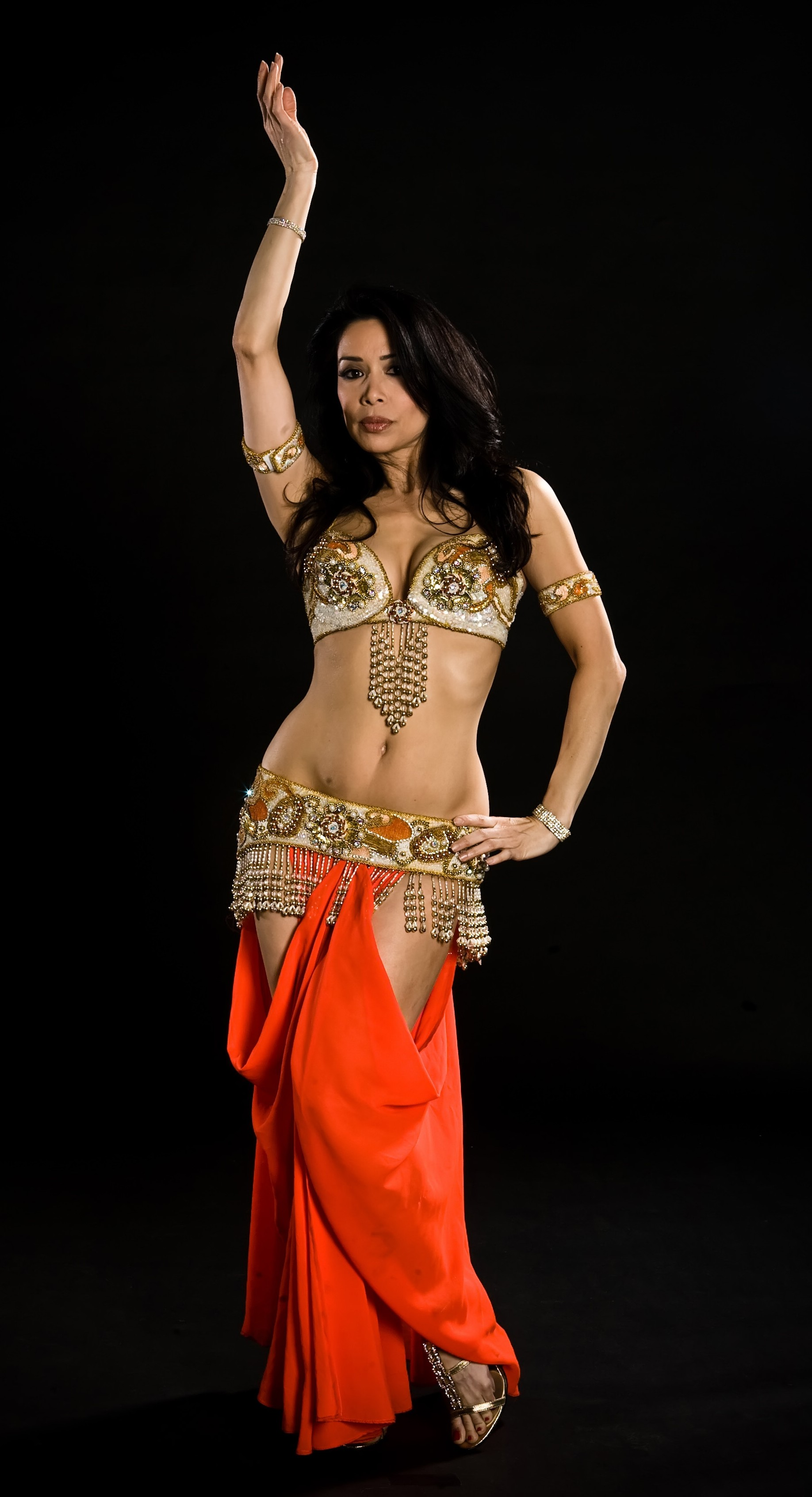 Egyptian shakira hot belly dancer and singer 3rabxxxtumblrcom - 1 7